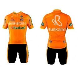 Equipación completa equipo Euskaltel